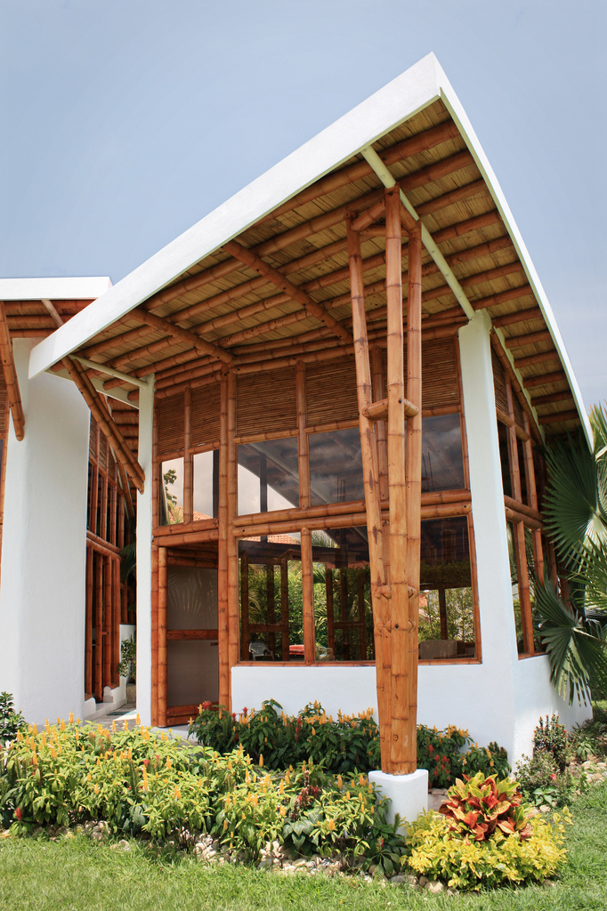 Green construction methods and materials happho for Bamboo roofing materials