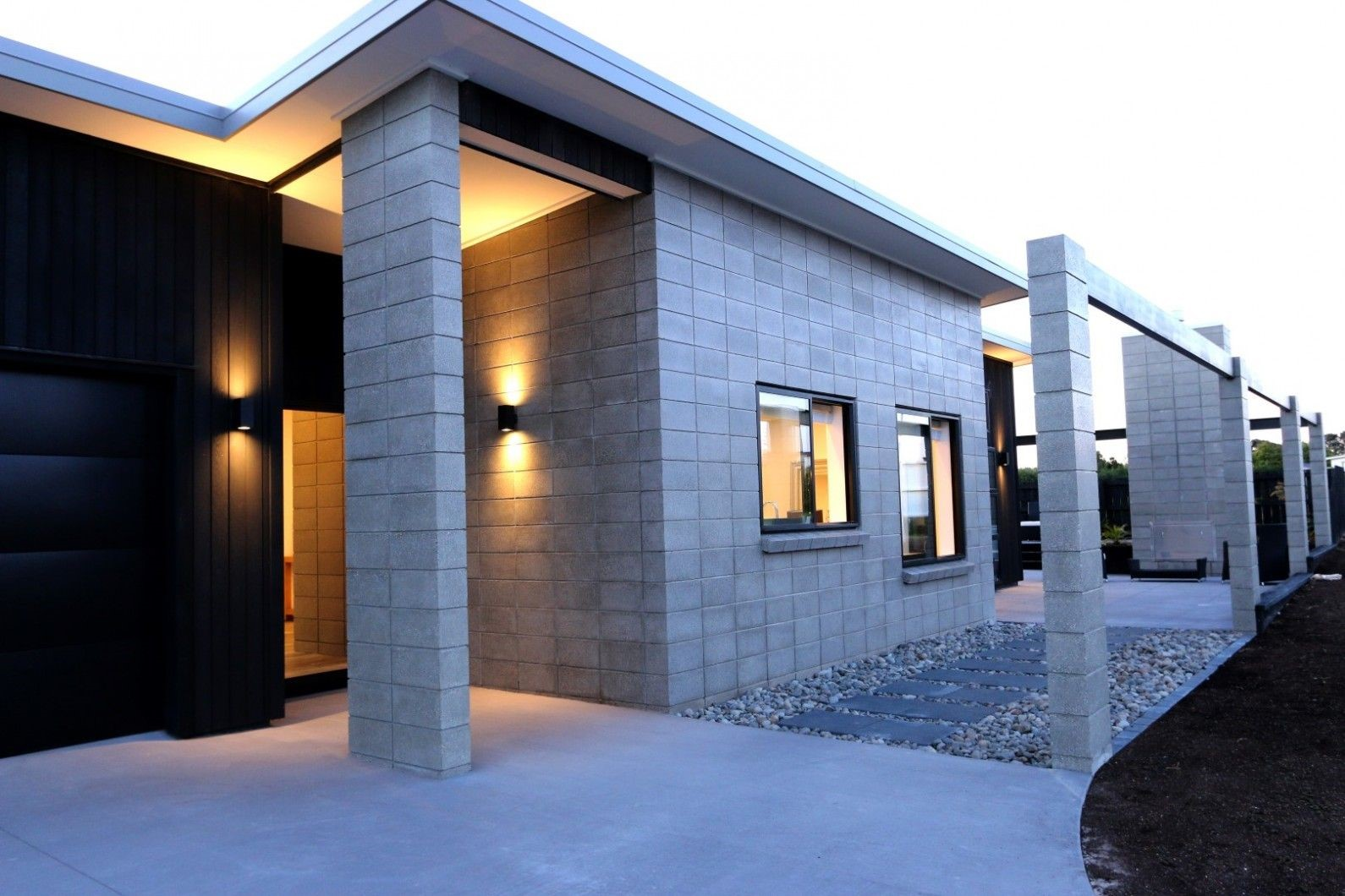 Exterior wall cladding for stunning house elevations happho for Concrete block construction homes