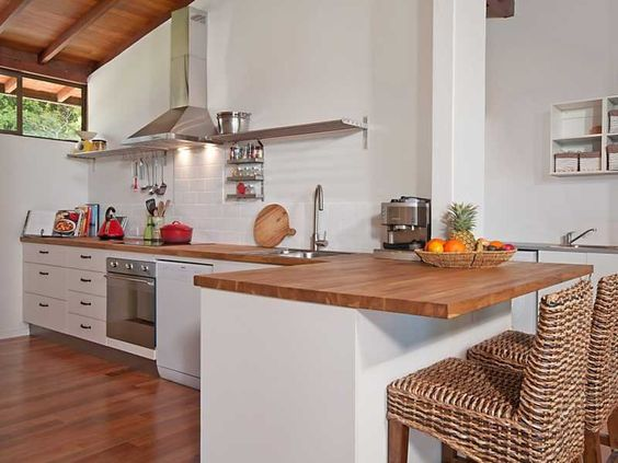 Different alternatives for kitchen layouts happho for Rectangle shaped kitchen design