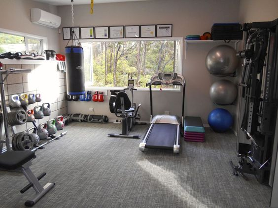 how to gear up for a gym in your own home happho. Black Bedroom Furniture Sets. Home Design Ideas