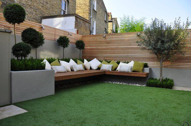 Placing outdoor furniture in building setback area