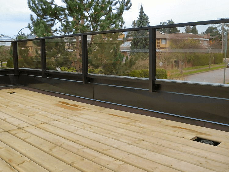 Aluminum railing with toughened glass parapet wall