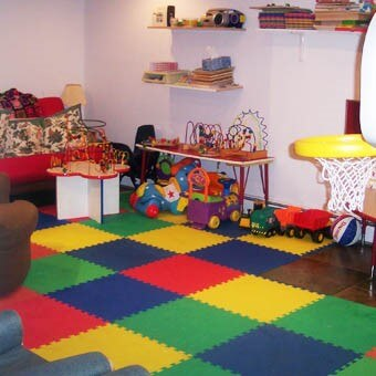 Rubber colored flooring in kids room